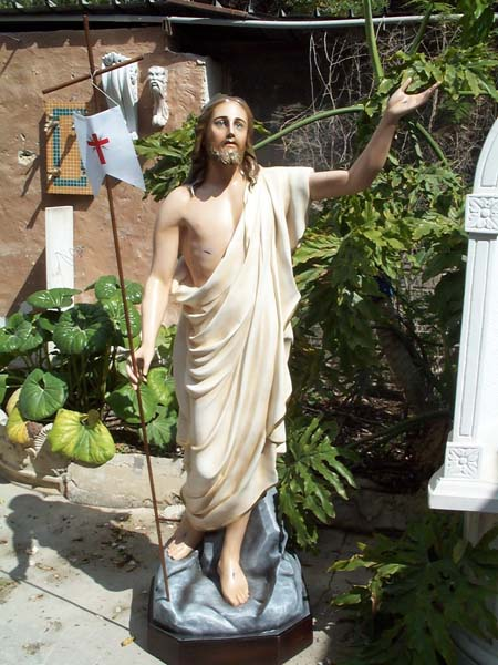 cristo risorto in resina