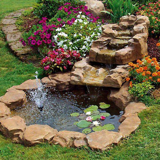 Cascata trevi miccich architetture da giardino for Laghetti e cascate da giardino