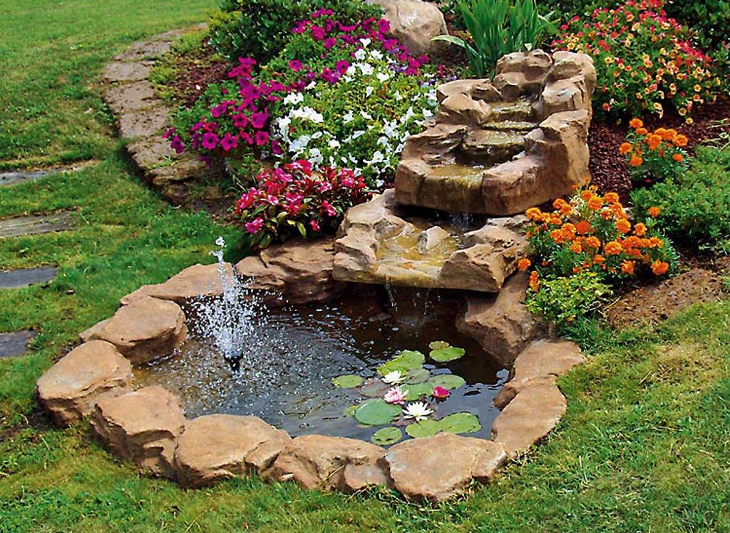 Cascata trevi miccich architetture da giardino for Cascata artificiale da giardino