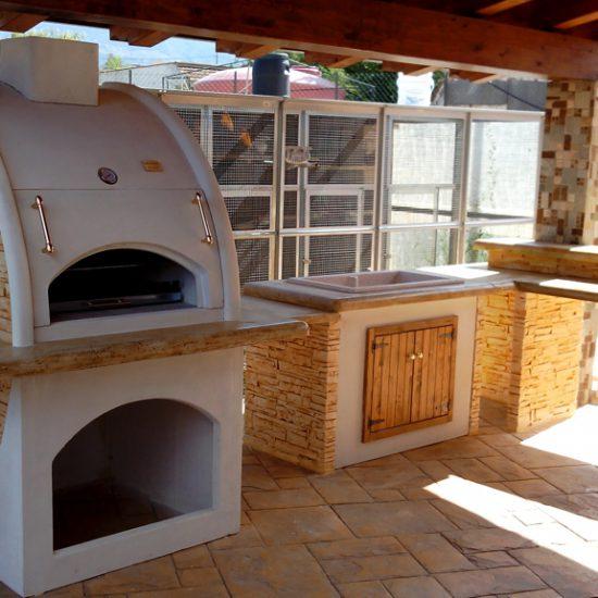 Cucina prefabbricata da esterno mod ouk19 miccich architetture da giardino - Cucina esterna in muratura con barbecue ...