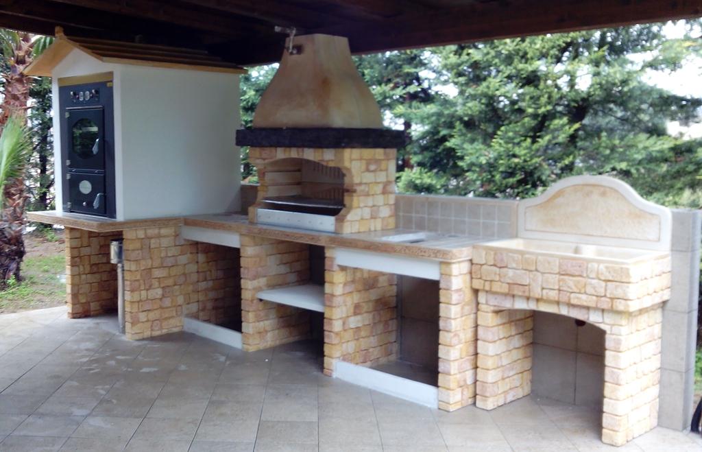 Cucina prefabbricata da esterno mod ouk21 miccich architetture da giardino - Cucine da giardino ...