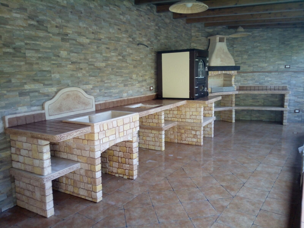 Cucina prefabbricata da esterno mod ouk12 miccich architetture da giardino - Cucina esterna in muratura con barbecue ...