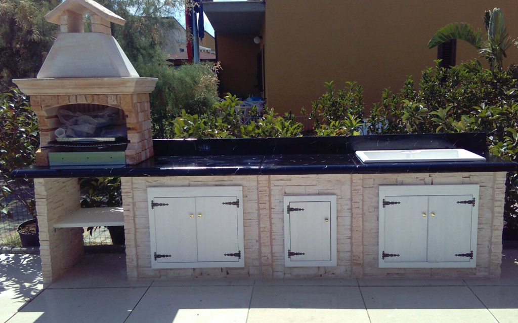Cucina prefabbricata da esterno mod ouk16 miccich architetture da giardino - Cucina esterna in muratura ...