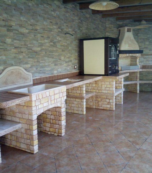 Cucina granada miccich architetture da giardino - Cucina in muratura da esterno ...
